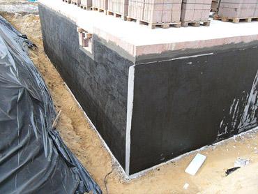 5. Woche: Kellerabdichtung und Entwässerung